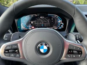 BMW 330e xDrive Comandi Volante