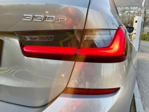 BMW 330e xDrive Fari Post