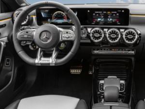 Mercedes CLA 35 AMG Shooting Brake Dashboard