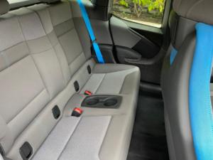 BMW i3 seduta posteriore