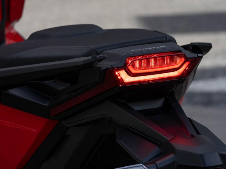 Honda X-ADV faro posteriore