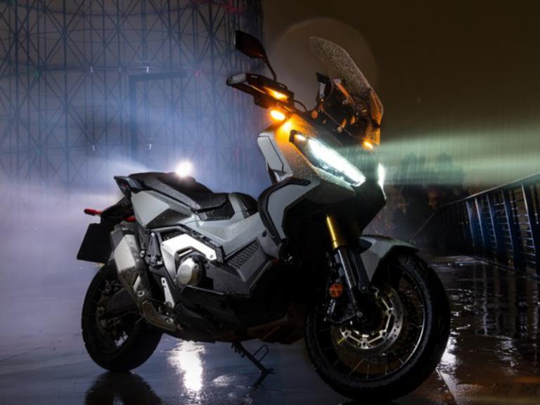 Honda X-ADV profilo 2